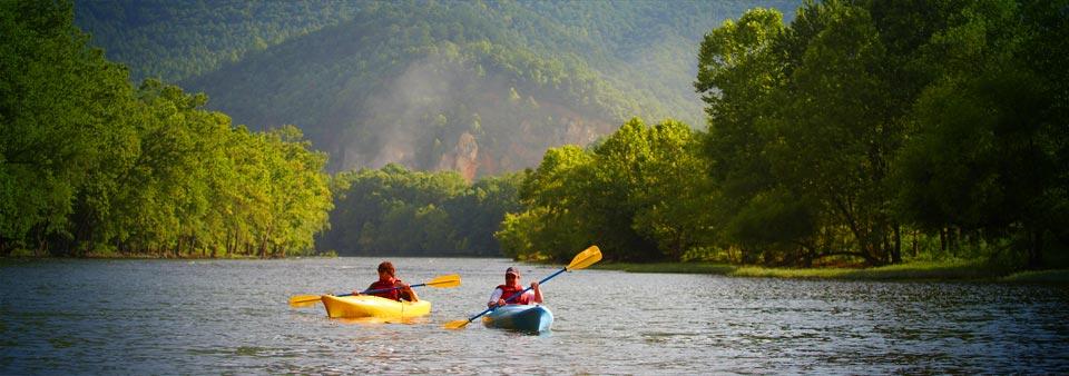 Kayaks paddling the Upper James